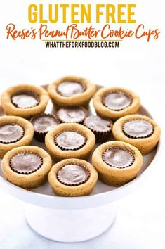 What& better than a gluten free peanut butter cookie? When you stuff it with peanut butter cups to make Reese& Peanut Butter Cookie Cups! They& super easy to make and will disappear quickly from the cookie jar! Gluten Free Cookies Recipe Easy, Best Gluten Free Recipes, Gluten Free Sweets, Easy Cookie Recipes, Easy Desserts, Delicious Desserts, Dessert Recipes, Gluten Free Christmas Cookies, Gf Recipes