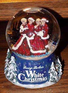 IRVING BERLIN'S 2000 WHITE CHRISTMAS musical snow globe RARE HTF EUC SNOWGLOBE