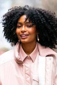 'My hair and I are taking up more space': Yara Shahidi on rocking big, bold, curly hair Curly Hair Care, Wavy Hair, Her Hair, Damp Hair Styles, Curly Hair Styles, Natural Hair Styles, Greasy Hair Hairstyles, Straight Hairstyles, Hair Inspo