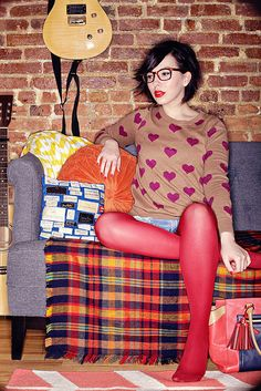 Love the heart print sweater - Keiko Lynn Nylons, Red Pantyhose, Pink Tights, Colored Tights, Shorts Tights, Indie Fashion, Love Fashion, Thigh High Leggings, Fall Outfits