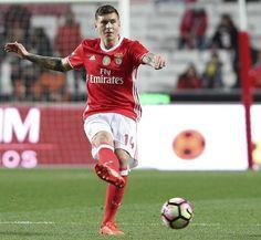 Saiba como é que a UEFA ensina a pronunciar os nomes dos jogadores de Benfica e FC Porto - Fotogalerias - Jornal Record