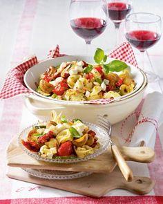 Das Rezept für Italienischer Tortellini-Salat und weitere kostenlose Rezepte auf LECKER.de