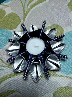 Dosette Nespresso, Aluminum Crafts, Candels, Coffee Pods, Recycled Art, Metal Art, Jewelry Crafts, Diy And Crafts, School Fair