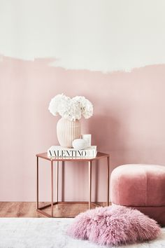 Copper and Pink ♥ ️ A dream essamble made of a side table in copper, a pink wall, pink vase and fresh white flowers. // Copper Side Table Bedside Table Metal Corner Decorate Furnishings - Home Decor Pink Home Decor, Home Design Decor, Interior Design, Home Decor Copper, Bedroom Wall, Bedroom Decor, Copper Side Table, Murs Roses, Copper And Pink