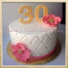 Quilted Gold and Pink 30th birthday cake #classy #elegant #quiltedcake
