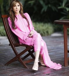 One of the best shots of we have seen Fashion Wear, Fashion Models, Fashion Outfits, Womens Fashion, Indian Fashion, Pakistani Couture, Pakistani Dresses, Casual Suit, Casual Outfits
