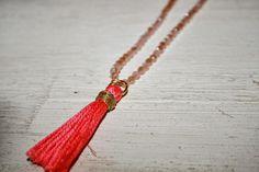 Le blog d'Anastasia: DIY: Le collier pompon // DIY: The pompon necklace