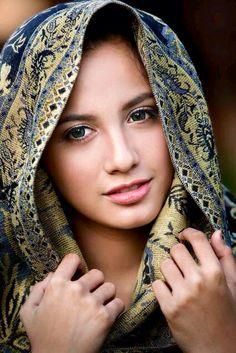 Beautiful hijab, beautiful eyes, beautiful pictures, most beautiful women. Beautiful Hijab, Beautiful Eyes, Most Beautiful Women, Beautiful People, Beautiful Pictures, Photography Women, Portrait Photography, Foto Portrait, Beauty Around The World