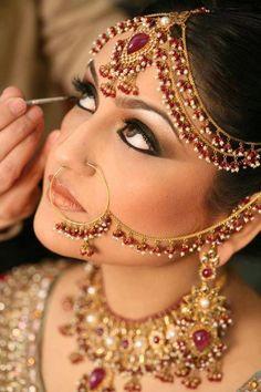 Desi bride getting ready Indian Bridal Makeup, Indian Wedding Jewelry, Indian Bridal Wear, Asian Bridal, Pakistani Bridal, Indian Jewelry, Bridal Jewelry, Indian Weddings, Pakistani Makeup