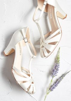 With these ivory satin heels from Chelsea Crew leading the way, elegance surely awaits you. Touting T-straps, cutout details, and luxe leather linings, these ModCloth-exclusive pumps make a posh addition to your attire - whatever the occasion! Wedding Boots, Wedding Heels, Satin Wedding Shoes, Bride Shoes, Prom Shoes, Style Vintage, Vintage Shoes, Vintage Wedding Shoes, Vintage Inspired