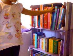 """Oggi vorrei dedicare un pensiero #ricicloso a #mamme e #bambini. Quante volte i nostri figli vorrebbero essere coinvolti nei nostri lavoretti? Vi è mai capitato di sentirvi dire """"mamma fai fare a me!"""" ? E allora ecco uno spunto per creare un angolo #colorato e meraviglioso assieme ai vostri bimbi durante i freddi pomeriggi autunnali. #riciclocreativo #arredarericiclando  LEGGI L'ARTICOLO QUI >>> http://arredabook.it/index.php/blog-arredabook/525-riciclare-assieme-ai-bimbi"""