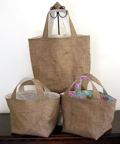 Cloth Market Bag -- Reusable Shopping Bag -- Strawberries N Cream Red Polka Dots -- Handmade Eco Friendly and GreenI like the floral lining on this burlap or linen Burlap Bags, Jute Bags, Hessian, Burlap Coffee Bags, My Bags, Purses And Bags, Sacs Tote Bags, Sacs Design, Reusable Shopping Bags