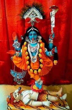 Maa Kali HD Pics and Mata Kaali Wallpaper gallery Indian Goddess Kali, Goddess Lakshmi, Indian Gods, Kali Hindu, Hindu Art, Durga Maa, Shiva Shakti, Mother Kali, Mother Goddess