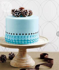 showstopping-cake-pinecone.jpg
