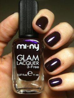 SEX APPEAL.  Un color viola melanzana scuro arricchito da una perlescenza blu e fucsia...     Leggi il post: http://giallonarciso.blogspot.it/2012/11/sex-appeal-mi-ny-cosmetics.html#more    #nails #naillacquer #nailpolish #violet #blogger @minycosmetics