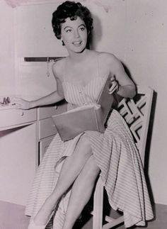 Ⓜ  (C) 0664: Ava Gardner (1922-1990) - (5)