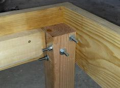 Finishing plain old for son's bed Wooden Couch, Wooden Bed Frames, Easy Woodworking Projects, Diy Pallet Projects, Patio Furniture Redo, Loft Bed Plans, Diy Bett, King Size Bed Frame, Wood Joints