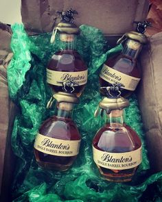 Can someone help us grab a few of these? Nice grab by Still some of the best looking minis around Bartender Drinks, Liquor Drinks, Coffee Drinks, Alcoholic Drinks, Beverages, Cocktails, Whiskey Or Whisky, Whiskey Bottle, Blanton's Bourbon