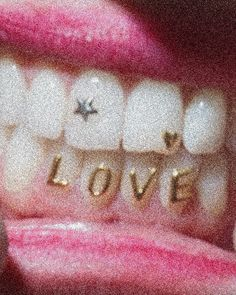 body, girl, and gold image Cute Jewelry, Body Jewelry, Jewelry Accessories, Tooth Jewelry, Gems Jewelry, Piercing Tattoo, Ear Piercings, Septum, Girl Grillz