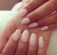 Feminine nails in nude shades