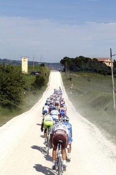 The white gravel roads of Italy make for unique racing at the Giro d'Italia.
