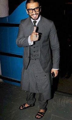 Ranveer Singh :* :*❤️❤️❤️ Mens Kurta Designs, Ranveer Singh, Medieval Clothing, Bae, Suit Jacket, Indian, Actors, Formal, Jackets