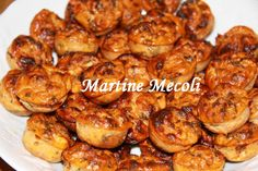 Petits bouchons au thon - Recette i-Cook'in | Guy Demarle Mini Desserts, Chicken Wings, Tea Time, Shrimp, Buffet, Sweet Home, Chips, Meat, Cooking
