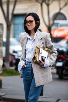 Street Style Stars Prove Oversized Blazers Are a Fall Must-Have - crfashionbook