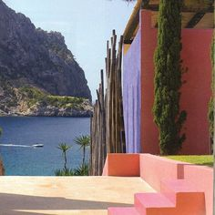 Sunday dreaming. Architecture of Luis Barragan, 'Colores Calidos'.