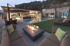 Cozy and modern single story house design