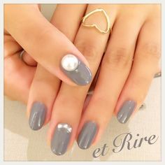 etRire☆Richgray & Pearl ◆ネイルサロンエリール◆ ☎︎03-3470-1184 HP:http://www.etrire.jp  #nail#nails#nailart#etrire#makifujiwara#naildesign#salon#manicuris#beauty#fashion#pearl#etrirenail#ネイルケア#ジェル#ジェルネイル#ネイル#ネイルデザイン#ネイルアート#エリール#表参道#表参道ネイル#表参道ネイルサロン#エリール#大人ネイル#おしゃれネイル#大人ネイルサロン#エリールネイル#大人の秋ネイル#リッチグレー#大人艶パール♡
