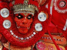Color Me Red, Free Burma, Myanmar photo Hampi, Hindus, We Are The World, People Around The World, Onam Festival, India People, Foto Art, Interesting Faces, Mind Blown