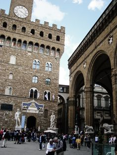 Palazzo Vecchio and Uffizi Gallery; Great Places, Places Ive Been, Beautiful Places, Hello Beautiful, Rome Streets, Driving In Italy, Florence Italy, Italy Travel, Places To Visit