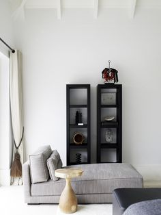 Piet Boon Styling by Karin Meyn | Playing with neutral colors and arrangement