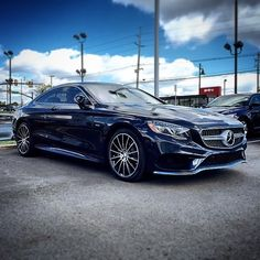 True blue. Mercedes Benz S550