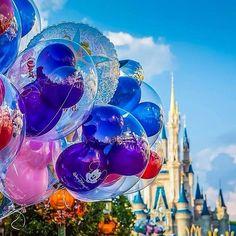 """O Site Próximo Destino Disney tem o objetivo de te ajudar a planejar a sua tão sonhada viagem ao """"Lugar mais Feliz da Terra"""" para fazer com que seus dias na Terra do Mickey sejam ainda mais perfeitos, os melhores parques, as melhores atrações ,os melhores restaurantes, hoteis, lojas, além de te trazer as ultimas novidades,  te levando sempre um pouquinho mais perto do Mundo Mágico de Walt Disney e tudo mais que Orlando possa oferecer."""