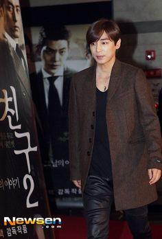 Jin Yi Han)))