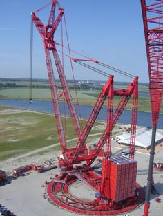 This crane uses 35 shipping containers for a counterweight,