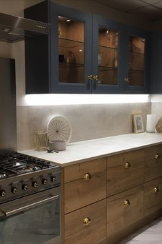 Designed by Kitchen Flair. 25 mm square edge laminate worktop with matching splashback. Barn Kitchen, Kitchen Dining Living, Kitchen Room Design, Home Room Design, Home Decor Kitchen, Kitchen Interior, New Kitchen, Home Kitchens, Kitchen Handles