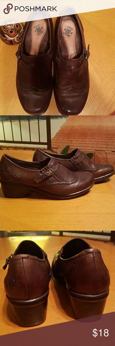 EARTH ORIGINS BROWN LOAFERS Earth Origins brown loafers, w/small strap and buckle over the top, leather upper 7.5 W EARTH ORIGINS Shoes Flats & Loafers