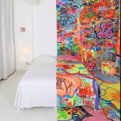 Coolest hotel bedroom.. Ever!!