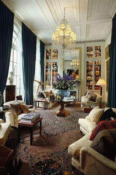 54 Beautiful Traditional Living Room Decor Ideas for your Dream House - Classic Decor, Classic Interior, Luxury Interior, 1920s Interior Design, Living Room Designs, Living Spaces, Living Rooms, Living Area, Home Libraries