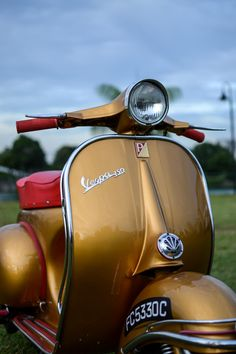 Same colour as the 150cc Ihad in 1966,I had a flyscreen front and back racks 6 mirrors and a 12ft tank ariel.Top speed not very much. Lovely. If I could turn back time