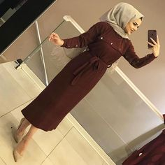 YENİLERDEN ELBİSE MODELİMİZ 😍😍 150₺ Modern Hijab Fashion, Abaya Fashion, Muslim Fashion, Fashion Dresses, Muslim Dress, Hijab Dress, Hijab Outfit, Iranian Women Fashion, Turkish Fashion