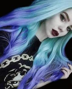 For all the lovers of hair and nails! Blonde Scene Hair, Black Scene Hair, Scene Hair Bangs, Medium Scene Hair, Short Scene Hair, Indie Scene Hair, Emo Hair, Medium Hair Styles, Colorful Hair