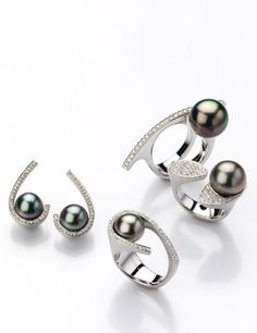 Lovely pearl rings from Gellner