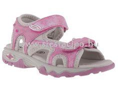 """Ez a strasszos rózsaszín vagány szandált minden """"nagy lány"""" szívesen viseli! http://www.siestacipo.hu/rozsaszin-strasszos-ket-tepozaras-siesta-szandal"""