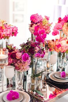 Glamorous Wedding Inspo Featuring Pantone's Color of the Year: Ultra Violet! Magenta Wedding, Daisy Wedding, Wedding Colors, Wedding Flowers, Party Centerpieces, Wedding Decorations, Wedding Ideas, Centrepieces, Wedding Photos