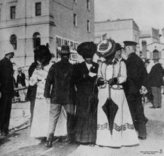 Polling booth on Adelaide Street in Brisbane, the first time Queensland women were able to vote in State Elections,1907 / John Oxley Library, State Library of Queensland, Neg: 73410 , http://hdl.handle.net/10462/deriv/70053 | thefashionarchives.org