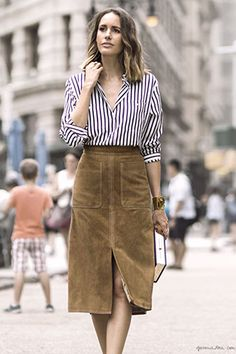 Picture Of Feminine Suede Skirt Outfits 8 Tan Skirt, Suede Skirt, Leather Skirt, Skirt Outfits, Fall Outfits, Fashion Outfits, Look Zara, Vetement Fashion, Paris Mode